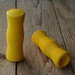 Kunststoffgriff, gelb,  quergerillt, 22mm, 70/80er Jahre, orig Altbestand
