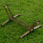 """Ausstellungs Ständer, """"Rollenständer"""", Stahl silber, Länge 53cm Breite 29cm Höhe 19cm, gebraucht, orig. 30er J."""