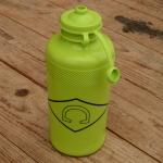 """Trinkflasche """" C """", hell grün, Kunststoff, orig. Altbestand"""