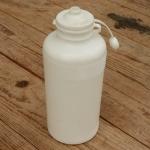 Trinkflasche, ohne Aufdruck, weiß,  Kunststoff, orig. Altbestand, NOS
