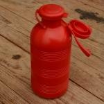 Trinkflasche, ohne Aufdruck, rot, Kunststoff, mit Brause, orig. Altbestand, NOS