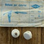 """Stopper / Klemme / Knopf """"REG"""", f. Pedalriemen , weiß, Kunststoff, orig. alte Neuware 60-80er Jahre !"""