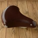 Sattel Wittkopp, Ausführung Schwingsattel mit Kunstleder decke braun, alte Neuware, Länge 28 cm, Breite 25 cm