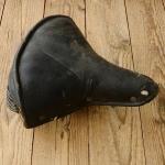 """Sattel """"Bonhomme"""", Ausführung Silastikbezug schwarz, 30-50er Jahre,  Länge 26 cm, Breite 27 cm, ideal f.Hilfsmotor"""