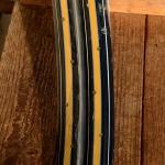 """Felgen Satz Draht 28"""" x 1,75 (622)  Stahl schwarz, Linierung hellbraun blau weiss, 36/36 Loch, 35mm breit, Nippelbohrung 4,5mm"""