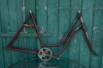 "Fahrradrahmen  ""PANIER"",  Damenausf., weinrot, 28 Zoll,  RH=56cm, 30er J., incl. Gabel u. Tretlager"