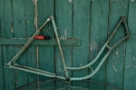 "Fahrradrahmen  ""UNBEKANNT"",  Damenausf., grün, 28 Zoll ,  RH=54cm, 50er J., ohne Gabel u. Tretlager"