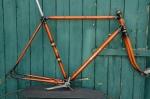 "Fahrradrahmen  ""ADLER"", rare Rennausführung, orange/schwarz , 28 Zoll,  RH=56cm, 50er J., incl. Gabel u. Tretlager"