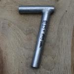 Winkelsattelstütze, Durchmesser: 23 mm, Länge: 170 mm, gebraucht, orig. 10-40er Jahre, Zustand siehe Bilder.