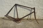 """Fahrradrahmen """"Schützenrad"""" Rennmodel Herrenausf. 28 Zoll, Stahl, RH=56 cm, 30er Jahre."""