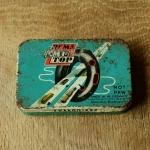"""Flickzeug Blechdose """"REMA TIP TOP"""" orig. 50-60er Jahre, 89 x 62 x 18 mm, ohne Inhalt"""
