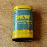 """Flickzeug Blechdose """"DKW"""" orig. 50er Jahre, 84 x 46 x 25 mm, ohne Inhalt"""