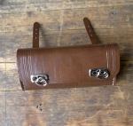 Satteltasche Lefa, braun, Standardabmessung  175 x 85 x 40mm, Beschläge vernickelt in alter Bauart