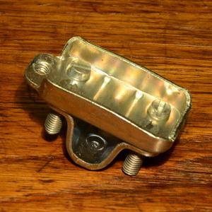 Halteplatte für Trelock Clou Speichenschloss, glanzverzinkt, mit Schelle, B20mm L37mm
