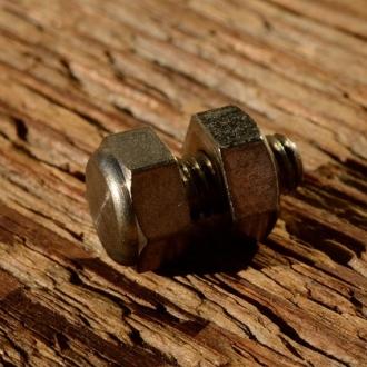 Schraube Sechskant, Zollgewinde (4.7mm), vernickelt, L=15/10mm, incl. Mutter, Sechskant SW=9mm, orig. Altbestand