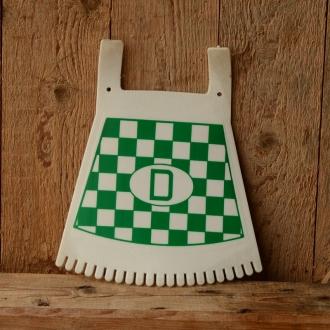 Schmutzfänger, grün-weiß, mit D-Zeichen u. Fransen