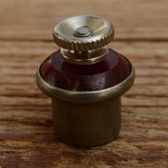 Rücklichtfassung, D=12mm, leicht konisch, passend für Standard Rücklichtbirne