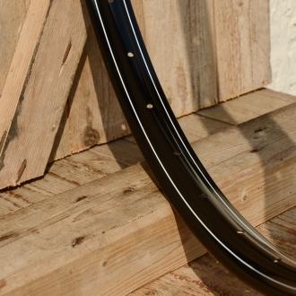 "Fahrradfelge 28"" x 1,75 (ISO/ETRTO 622mm), Alu, schwarz lackiert, 36 Loch, Dek.2 weiss aussen, Dek.2 einfach weiss"