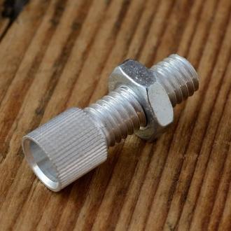 Stellschraube M6, Aluminium, L=23.5/16mm, D_innen=6/2.5mm, Zugaufnahme rund/gerändelt