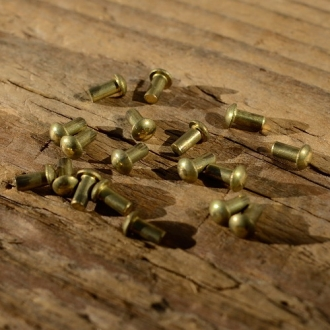 Messing - Niet, D=3.2/2.0mm L=4mm, ideal zur Befestigung von Emblemen