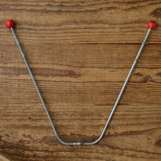 "Wimpelstange f. Schutzblechmontage, doppelt, ""rote Holzkugel"", verzinkt, Höhe=20cm, incl. Wimpelösen, Altbestand"