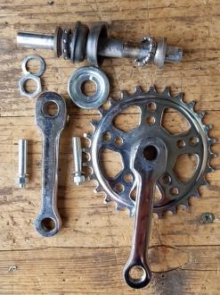 Tretlager Glockenausf. PWB,  für Kinderrad, orig. 30-50er Jahre, komplett, alte Neuware !