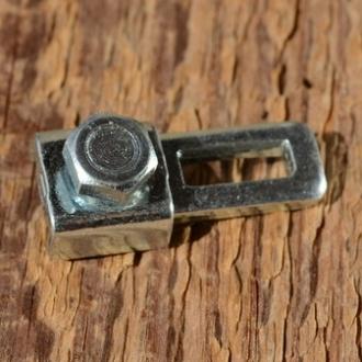 Klemmstück / Schraubnippel, B=12mm, L=28mm, Stahl verzinkt, zur Besfestigung des Bremszuges am Hebel der Trommelbremse