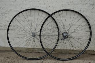 """Laufradsatz Drahtfelge, 28"""" x 1, 1/2 (635),  schwarz, grün-weiss, F+S  Nabe 60er J. verchromt, vorn Union Nabe"""