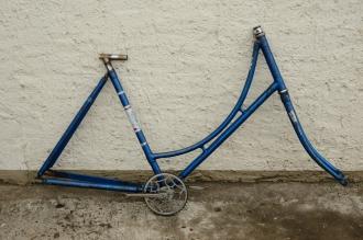 """Fahrradrahmen """"UNBEKANNT"""",  Damenausf., 28 Zoll , RH=54cm, orig. 30er J., incl. Gabel,  u. Tretlager"""