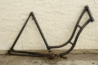 """Fahrradrahmen """"ADLER"""",  Damenausf., 28 Zoll , RH=55cm, orig. 50er J., ohne Gabel,  incl. Tretlager"""