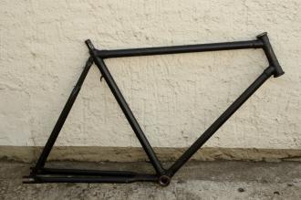 "Fahrradrahmen ""UNBEKANNT"",  Herrenausf., 28 Zoll , RH=56cm, orig. 50er J., ohne Gabel,  ohne Tretlager"