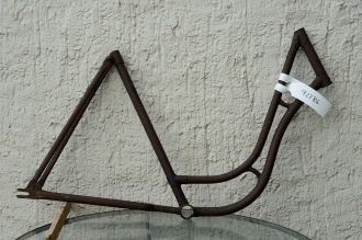 "Fahrradrahmen ""UNBEKANNT"", Damenausf., 28 Zoll , RH=56cm, orig. 30er J., ohne Gabel,  ohne Tretlager"