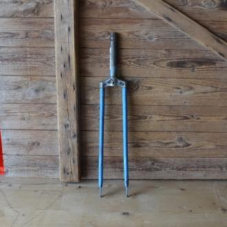 Gabel 28 Zoll NSU, orig. 30er Jahre unrestauriert, Schaftlänge 160 mm, Weite oben 64 mm, Zustand siehe Bilder