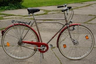 """Herrenrad  """"HWE, 30 Zoll !!, orig. 80er Jahre, ideal für den 2 Meter plus X Mann, Reifen NEU !!"""